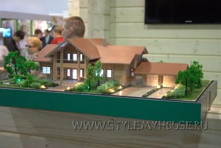 модель дома коттеджа с выставки Деревянное Домостроение