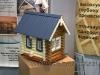 небольшая модель бревенчатого дома