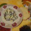 Салат с фасолью и сухарями
