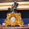 Каминные часы – последний штрих к классическому интерьеру