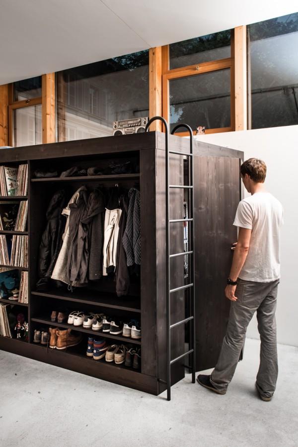боковая дверь в системе хранения