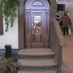 каменная лестница в дом