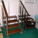 ограда для лестницы из металла и дерева
