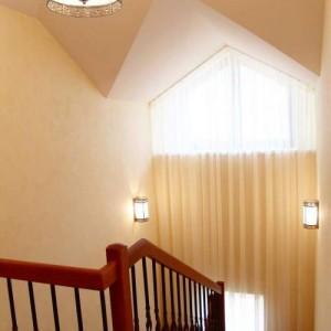 лестница, ведущая в мансардное помещение