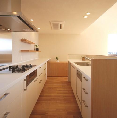 кухня в современном японском стиле