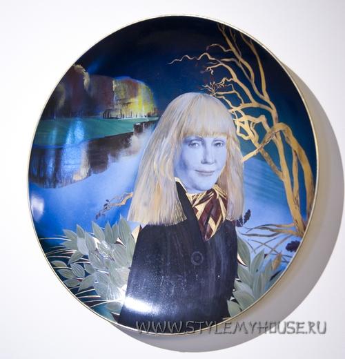тарелка работы Нелли Уваровой
