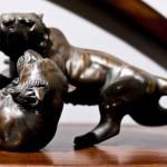 скульптура дерущихся тигров
