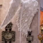 украшение квартиры на Новый Год - крылья ангела