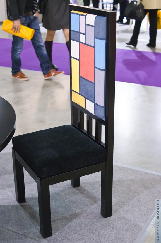стул в стиле абстракционизм
