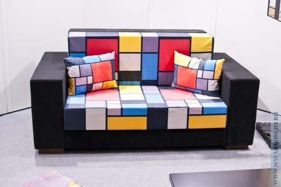 диван выполненный в стиле абстракционизм