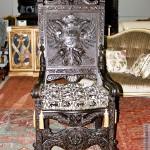 антикварное парадное кресло