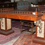 антикварный письменный стол