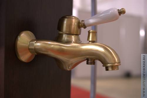 Современные смесители для ванной  – фото с выставки Мосбилд 2012