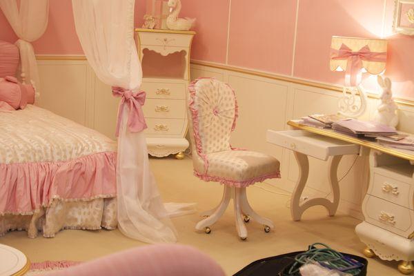 Спальня для девочки подростка — мечта в розовом