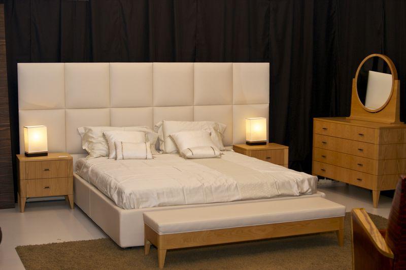 Простой дизайн спальни от итальянских дизайнеров