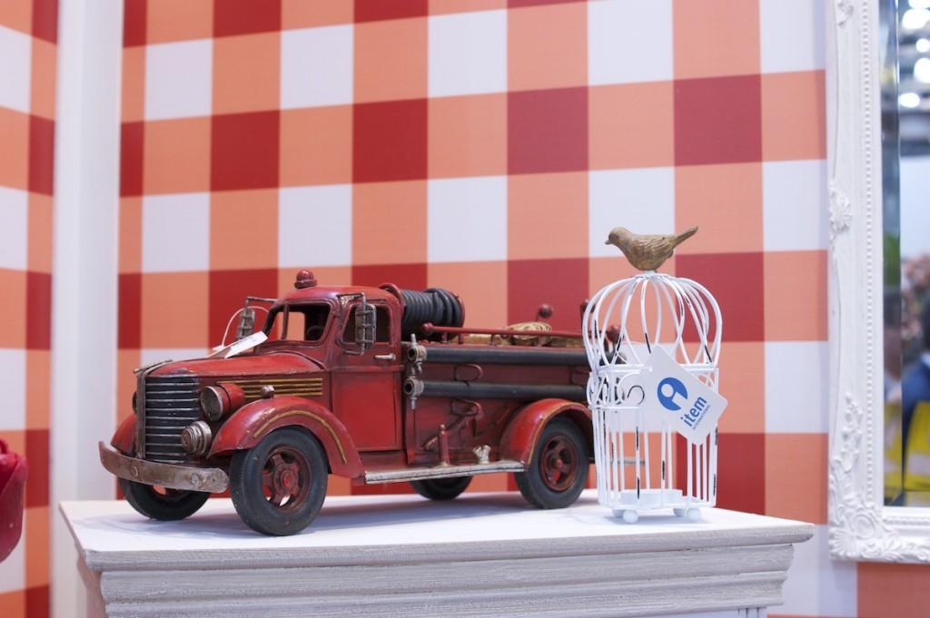 винтажная модель пожарного автомобиля