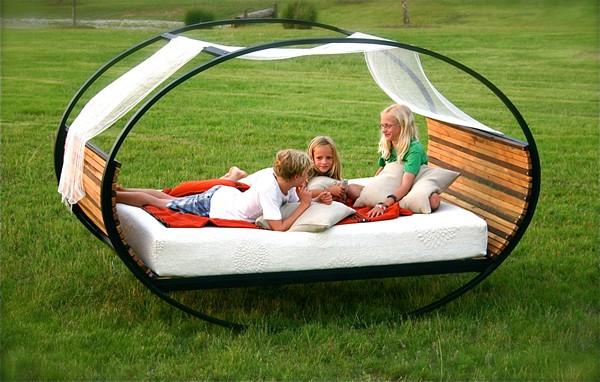 кровать - жезлонг для дачи