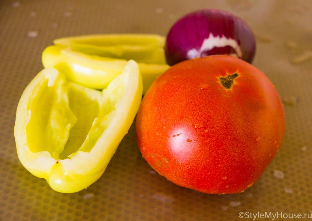 помидора, лук и болгарский перец