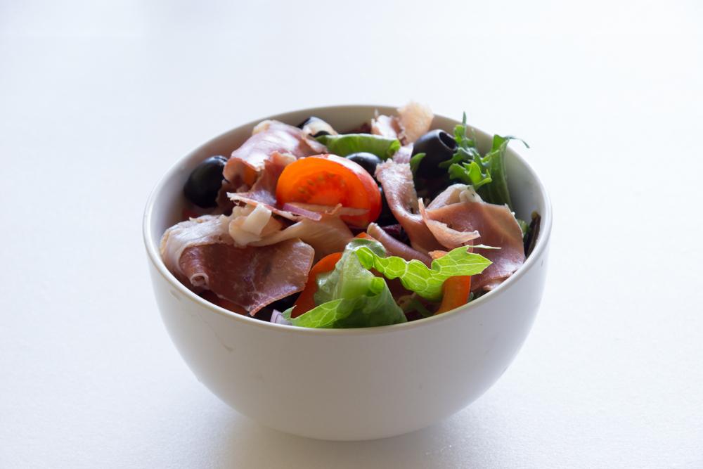 Салат по-испански – салат с хамоном