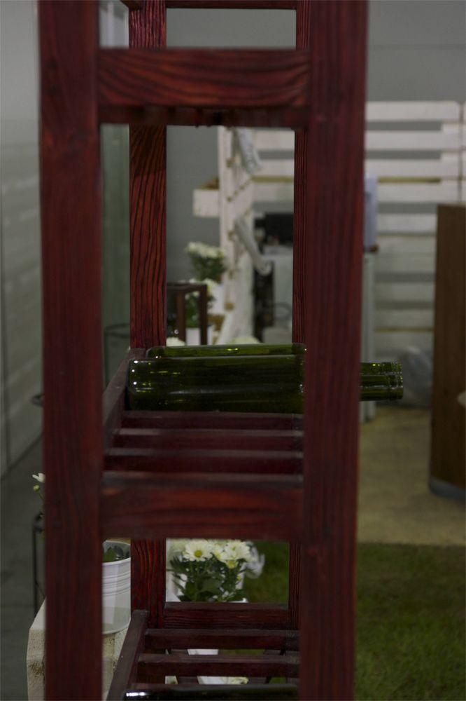 деревянный стелаж для вина