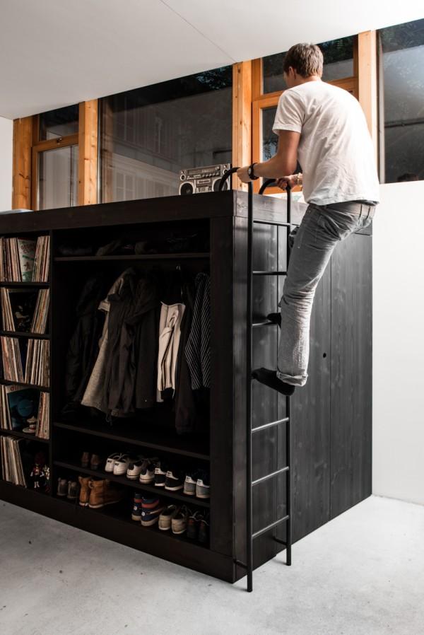 использование верхней части системы хранения под спальное место